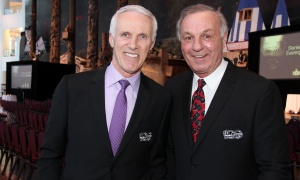 From left, hockey legends Mike Bossy and Guy Lafleur at the Canadian Museum of History on Wednesday, March 15, 2017, for the Stanley Cup 125th Evening Celebration. (Photo by Caroline Phillips)