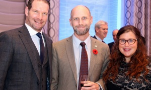 From left, Ted Wagstaff with Jonathan Bodden and Danielle Robinson from the Ottawa Senators Foundation, at the Jewish National Fund of Ottawa's 2017 Negev Dinner, held at the Infinity Convention Centre on Monday, November 6, 2017. Photo by Caroline Phillips