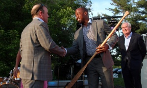2018 Honorary Riverkeeper Henry Burris accepts his custom-made paddle from Ottawa Riverkeeper board chair Geoff Green. Photo by Caroline Phillips
